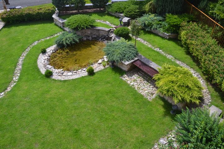 Foto: záhrada (pre obidve časti)