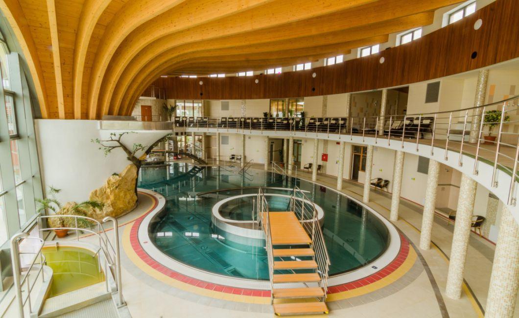 Foto: Termálne kúpalisko Podhájska