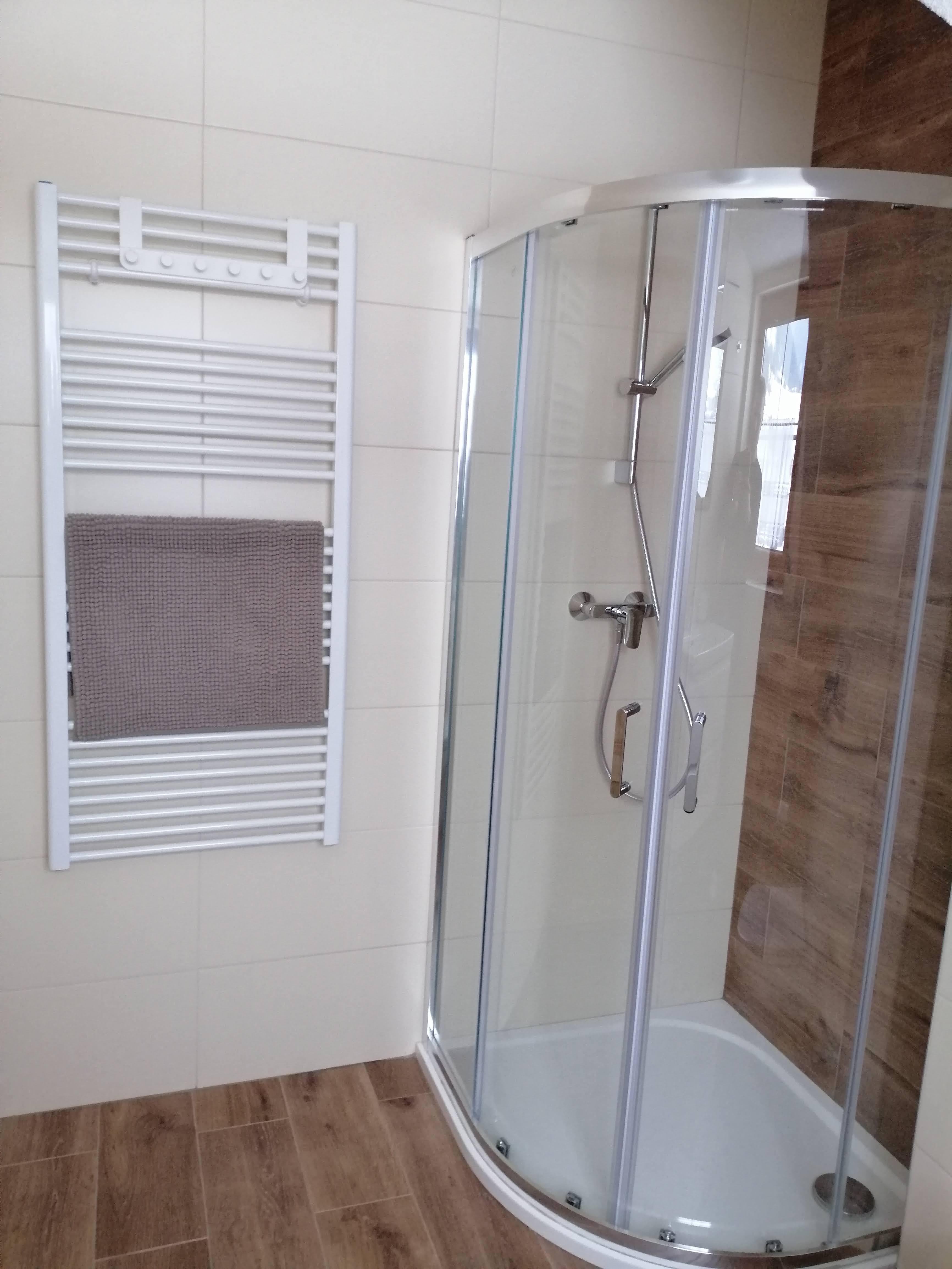 1618318368-Apartment-Sina-Bath-Room-02.jpg