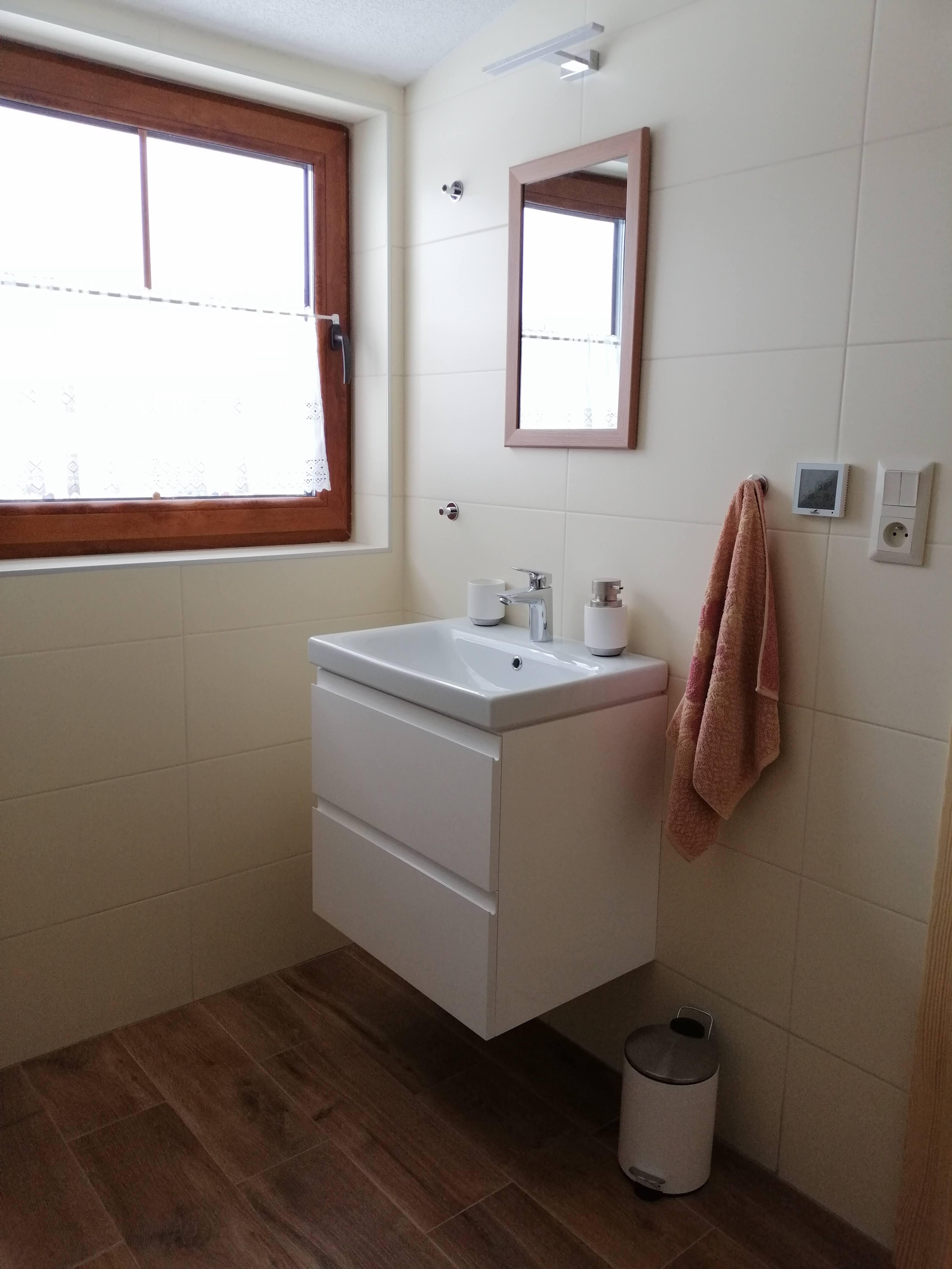 1618318370-Apartment-Sina-Bath-Room-03.jpg