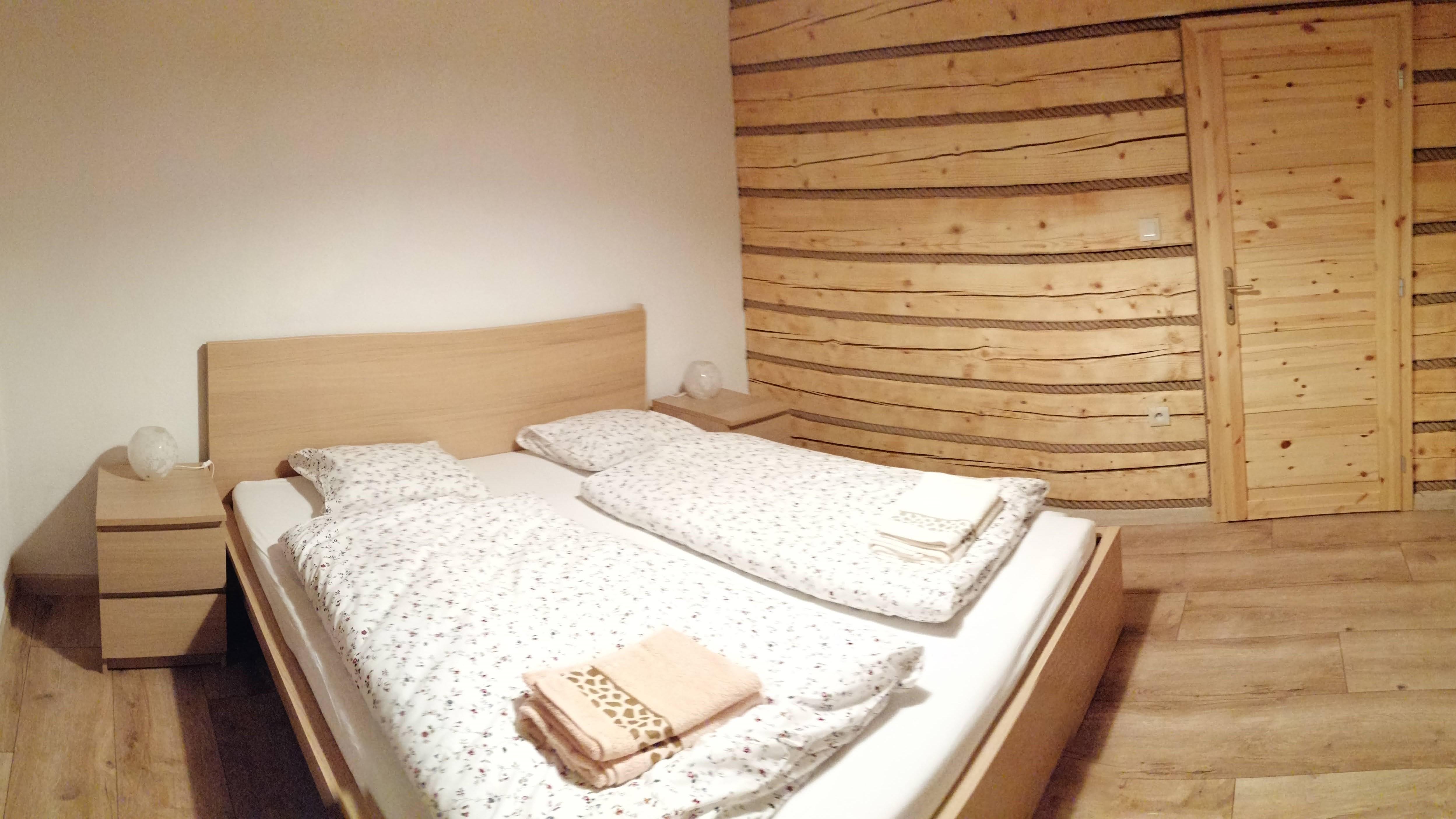1618318376-Apartment-Sina-Bed-Room-03.jpg