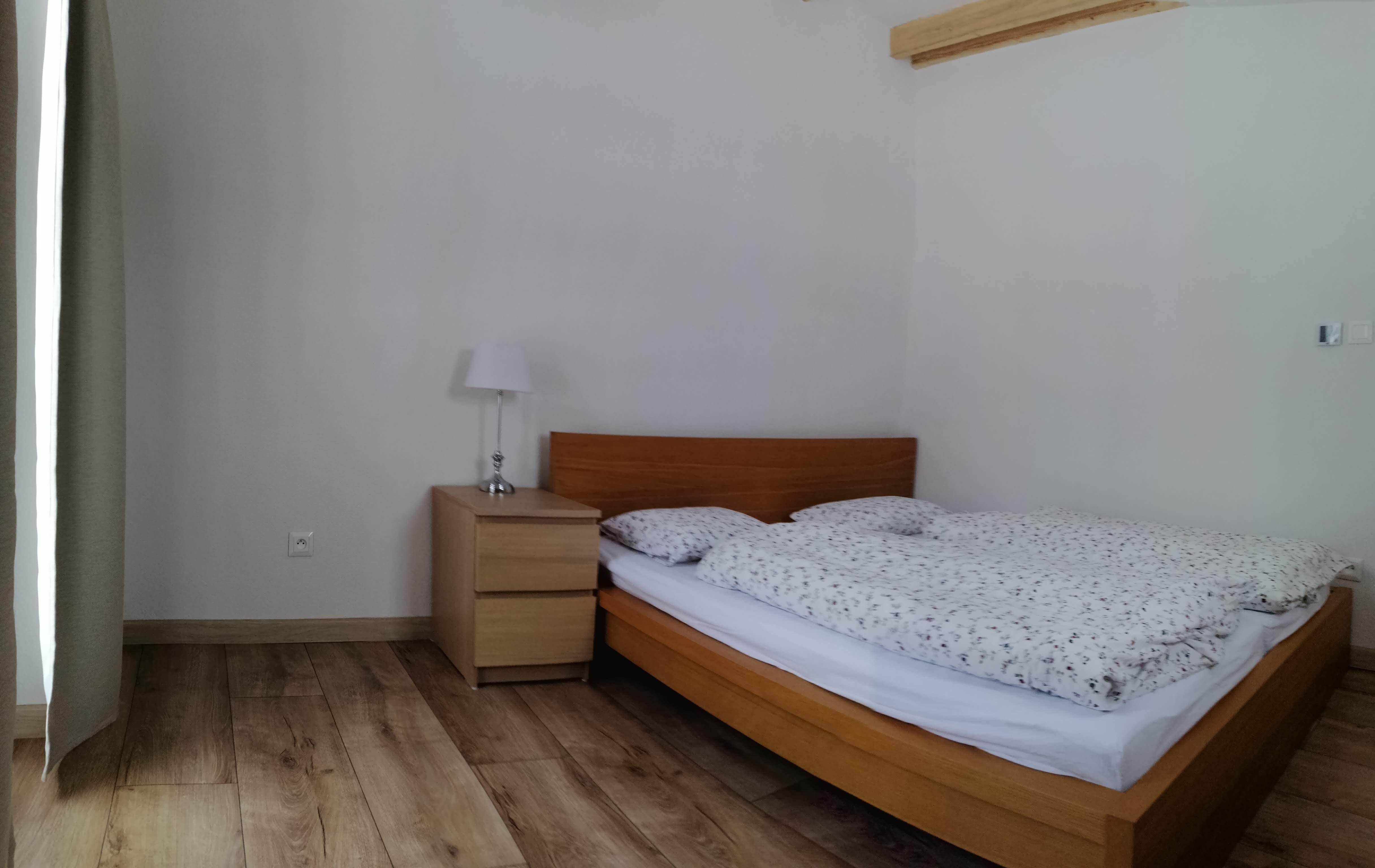 1618318467-Apartment-Chabenec-BedRoom-01.jpg