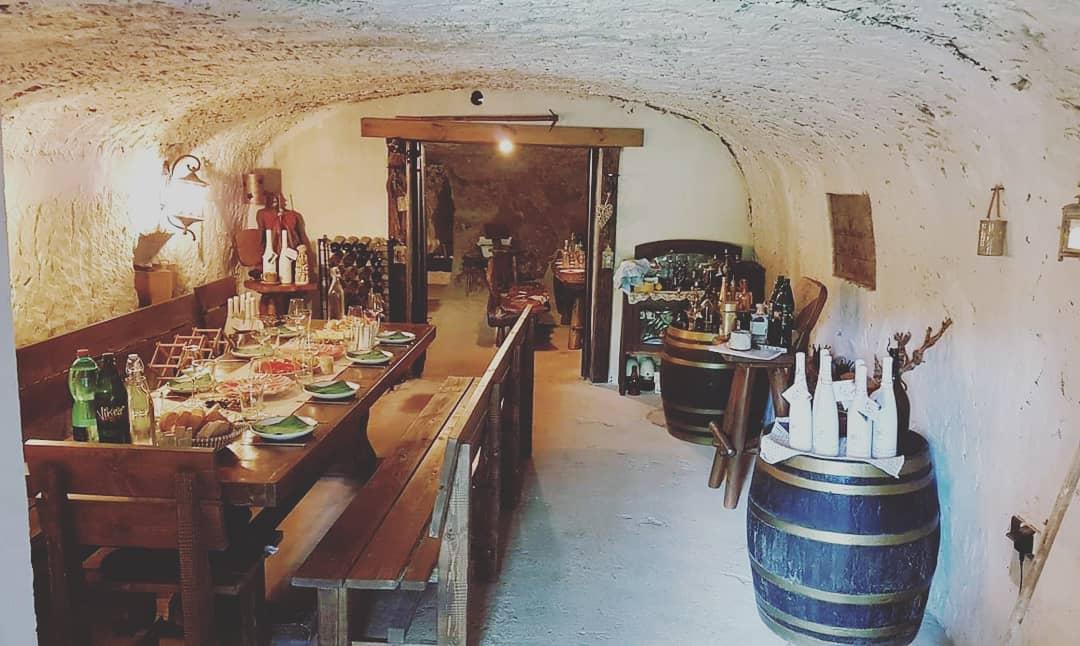 1618918992-winemackas-1618918516826.jpg