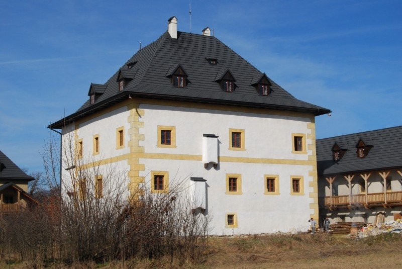 Foto: Vodný hrad Hronsek