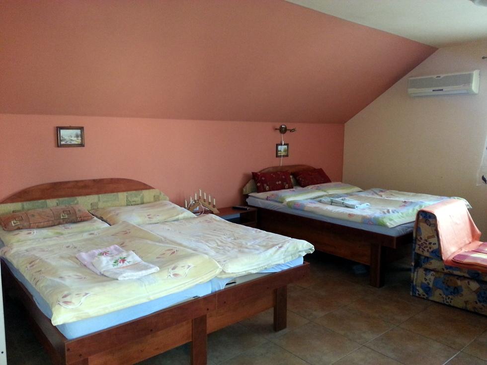 4 posteľová izba s balkónom